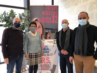 JLoge et #Dites32 aux petits soins… des médecins